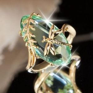 Jewelry - 18k gold plated fashion faux Emerald ring